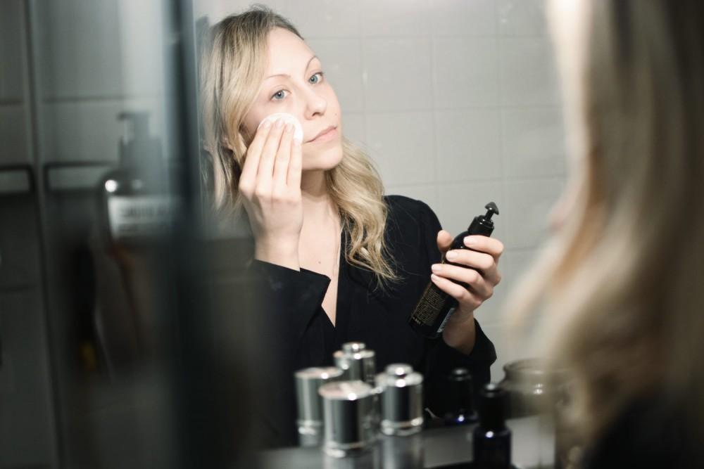 Abend Pflegeroutine, trockene Haut, La Prairie Skin Caviar Luxe Sleep Mask, Kiehl´s Midnight Recovery Cleansing Oil