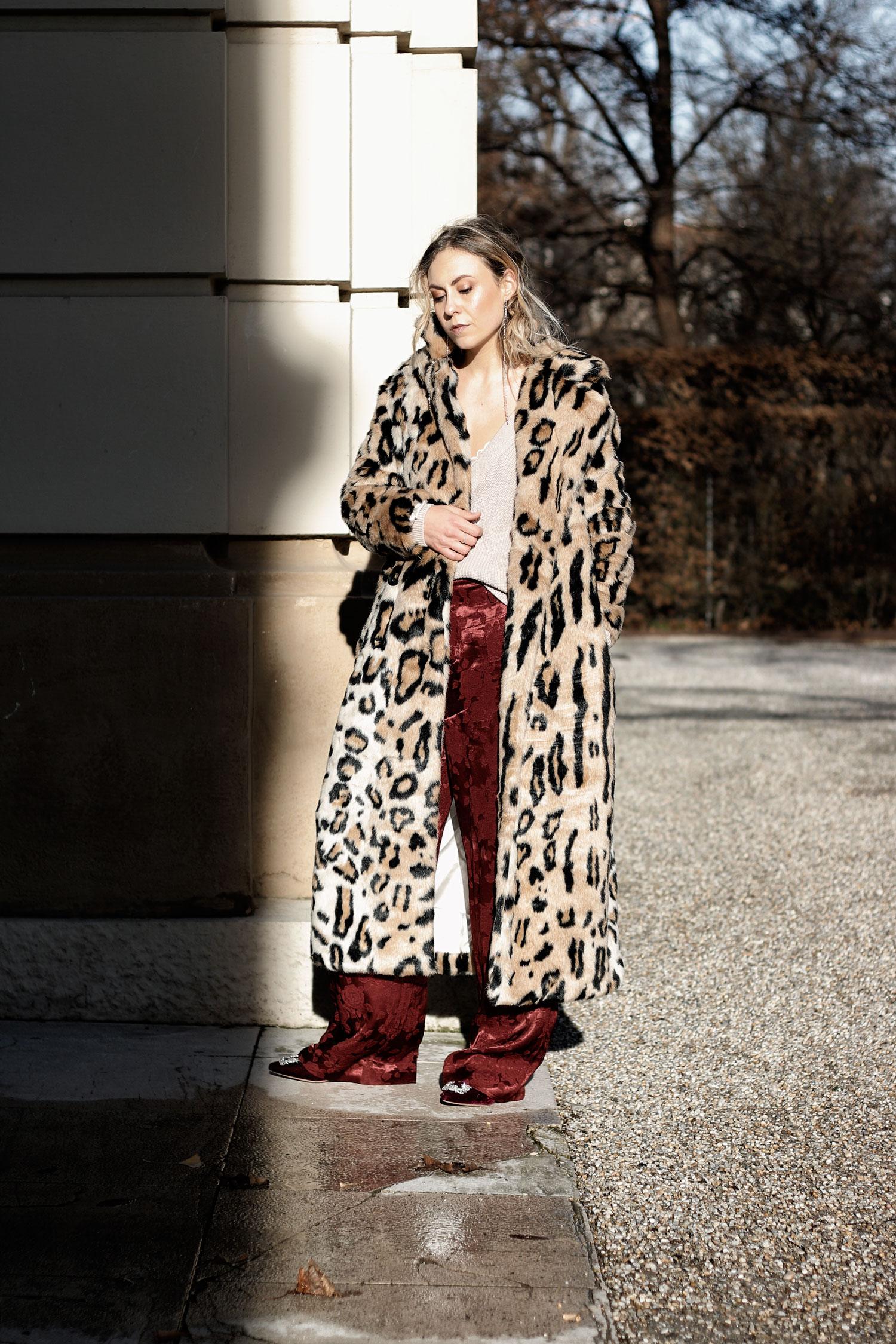 Leo Fake Fur Coat - LES FACTORY FEMMES