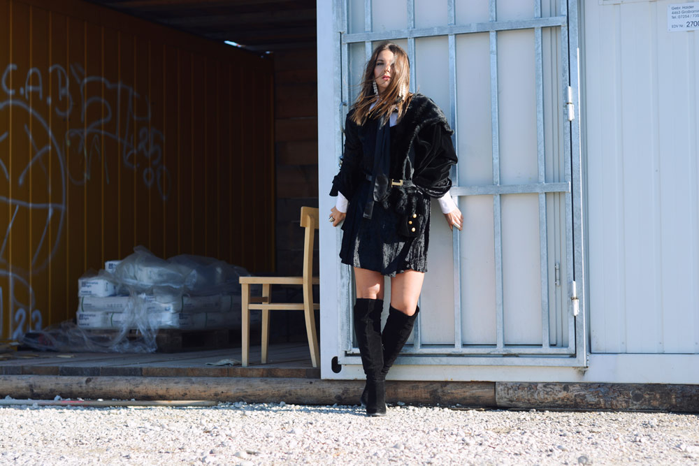 black-velvet-jacket