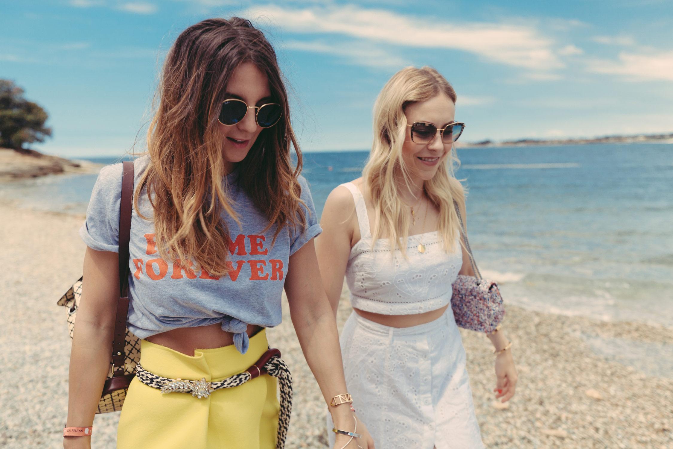 fashion blogger österreich, richtig abschalten, gelber rock, forever femme tshirt