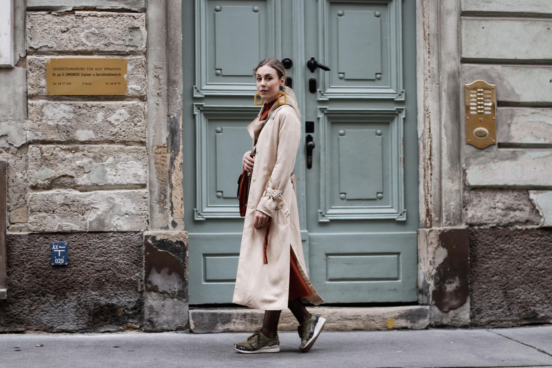 Sneakers und Kleider - LES FACTORY FEMMES