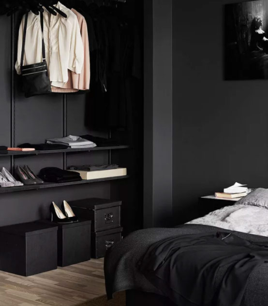 Black Interior Design - LES FACTORY FEMMES