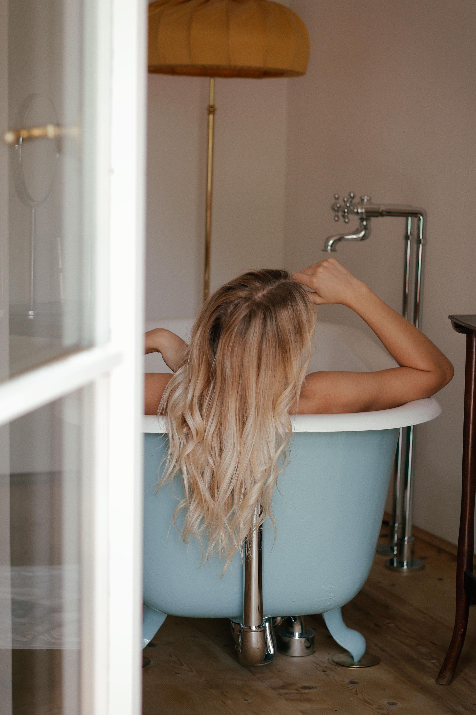 Pflegetipps für blondes Haar - www.lesfactoryfemmes.com