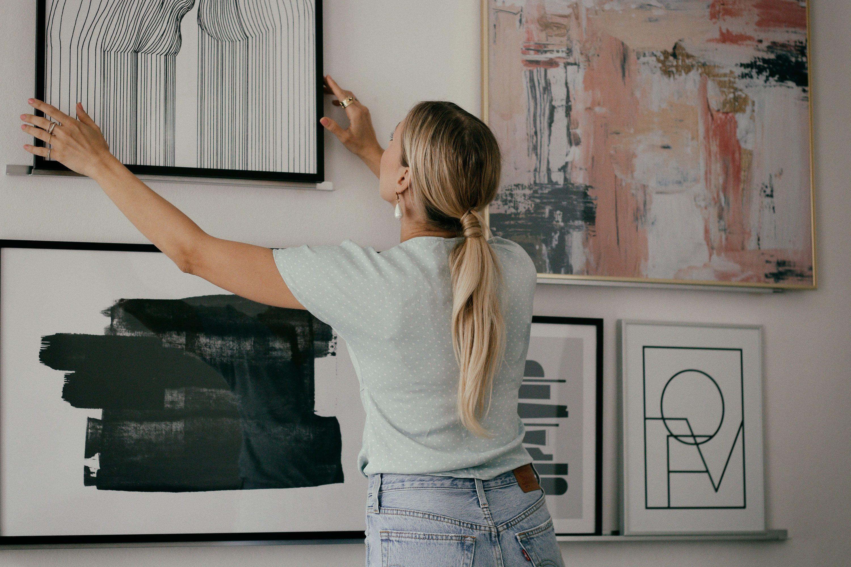 Living Room Art - www.lesfactoryfemmes.com