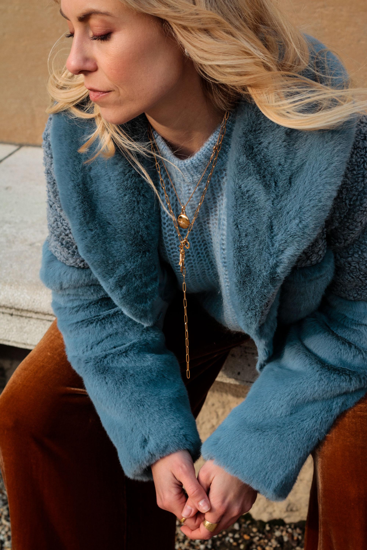Fashion Trend Samt Hose - www.lesfactoryfemmes.com