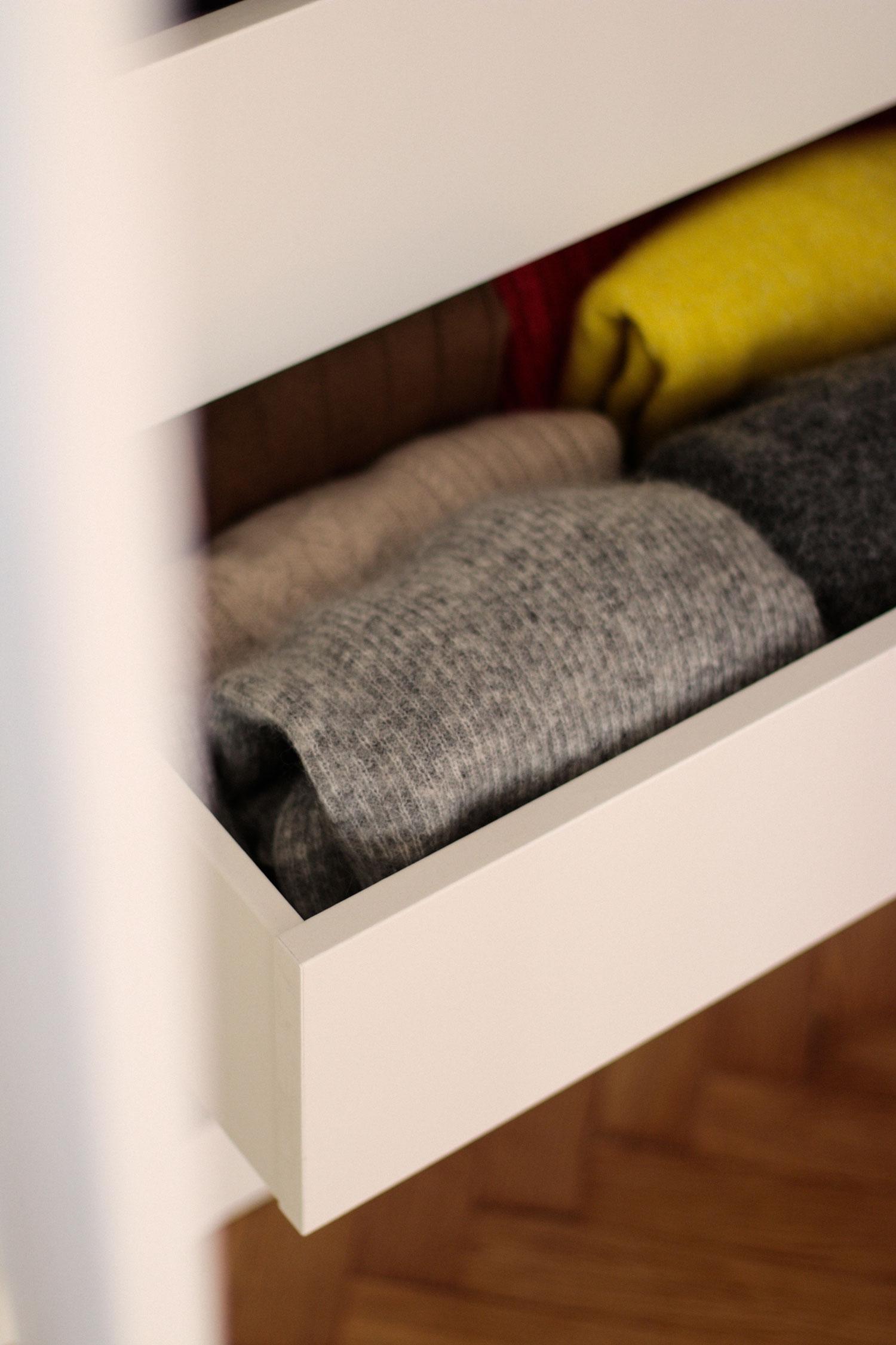 Mehr Ordnung im Kleiderschrank - www.lesfactoryfermmes.com
