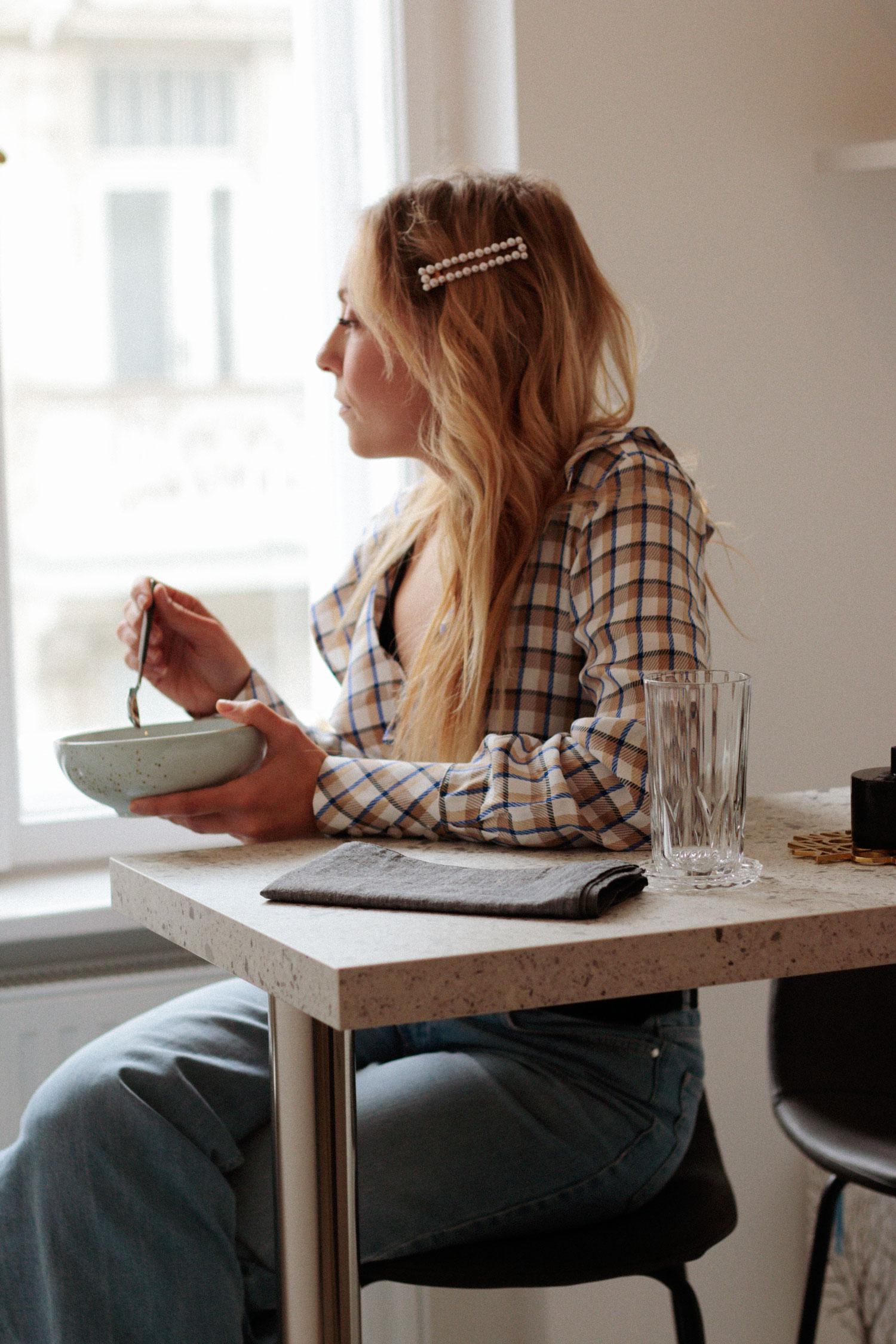 Küchenplanung Modern monochrome Kitchen - www.lesfactoryfemmes.com