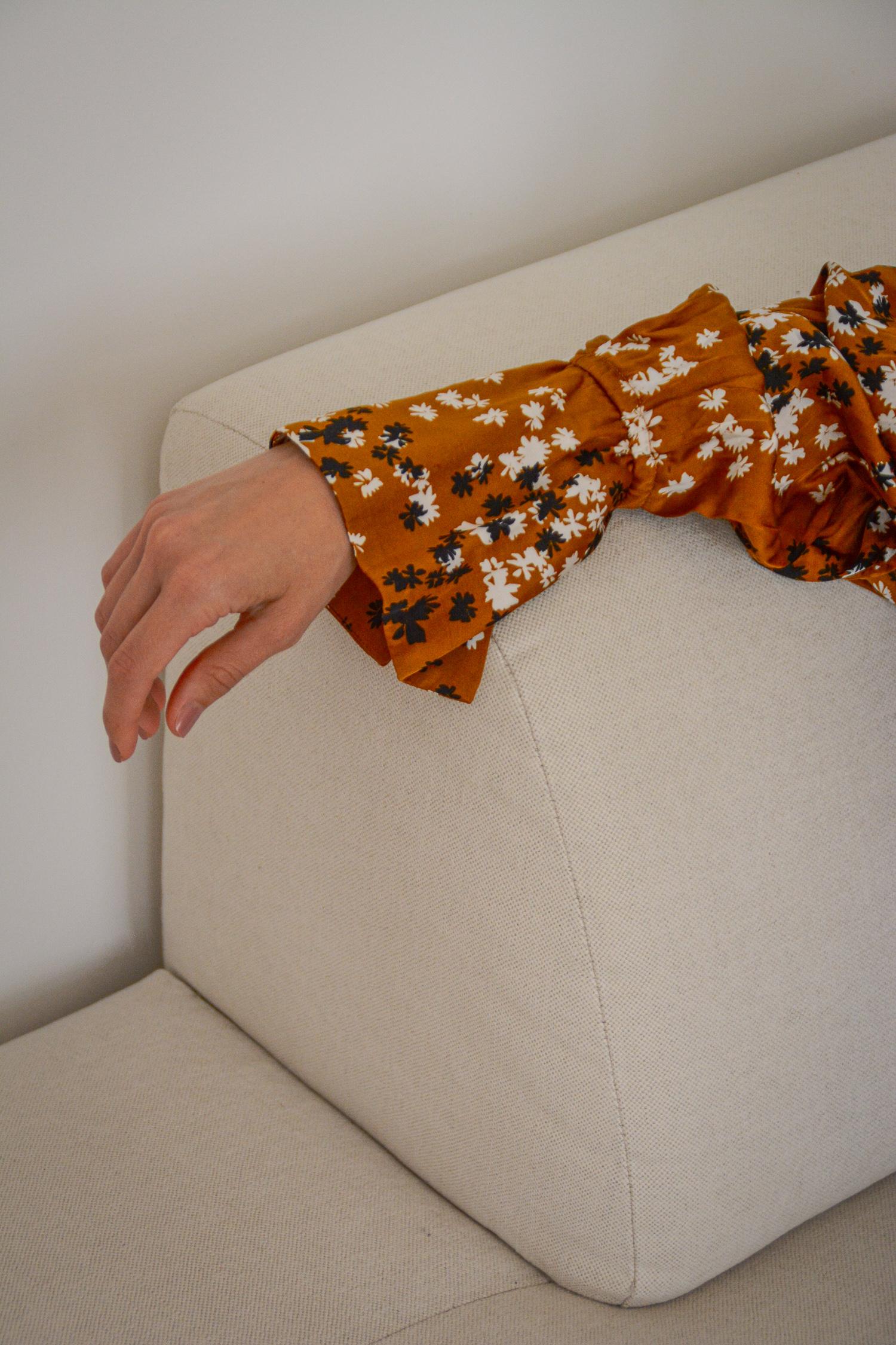 gemütliches Ecksofa fürs Wohnzimmer - www.lesfactoryfemmes.com